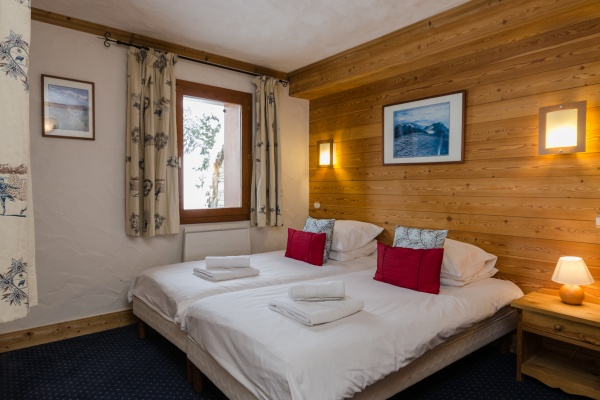 Twin room at Chalet Chamois, La Plagne