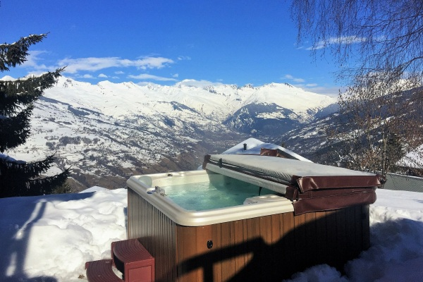 Hot tub with views of Mont Blanc at Chalet Chamois, La Plagne