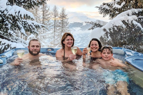Hot tub at Chalet Pisteside, La Plagne