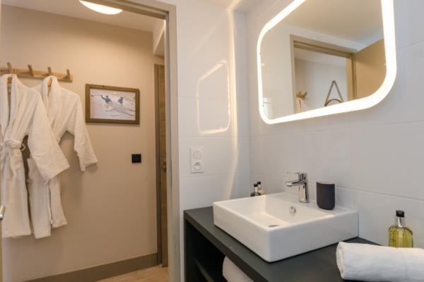 GRZ6 Bathroom 2